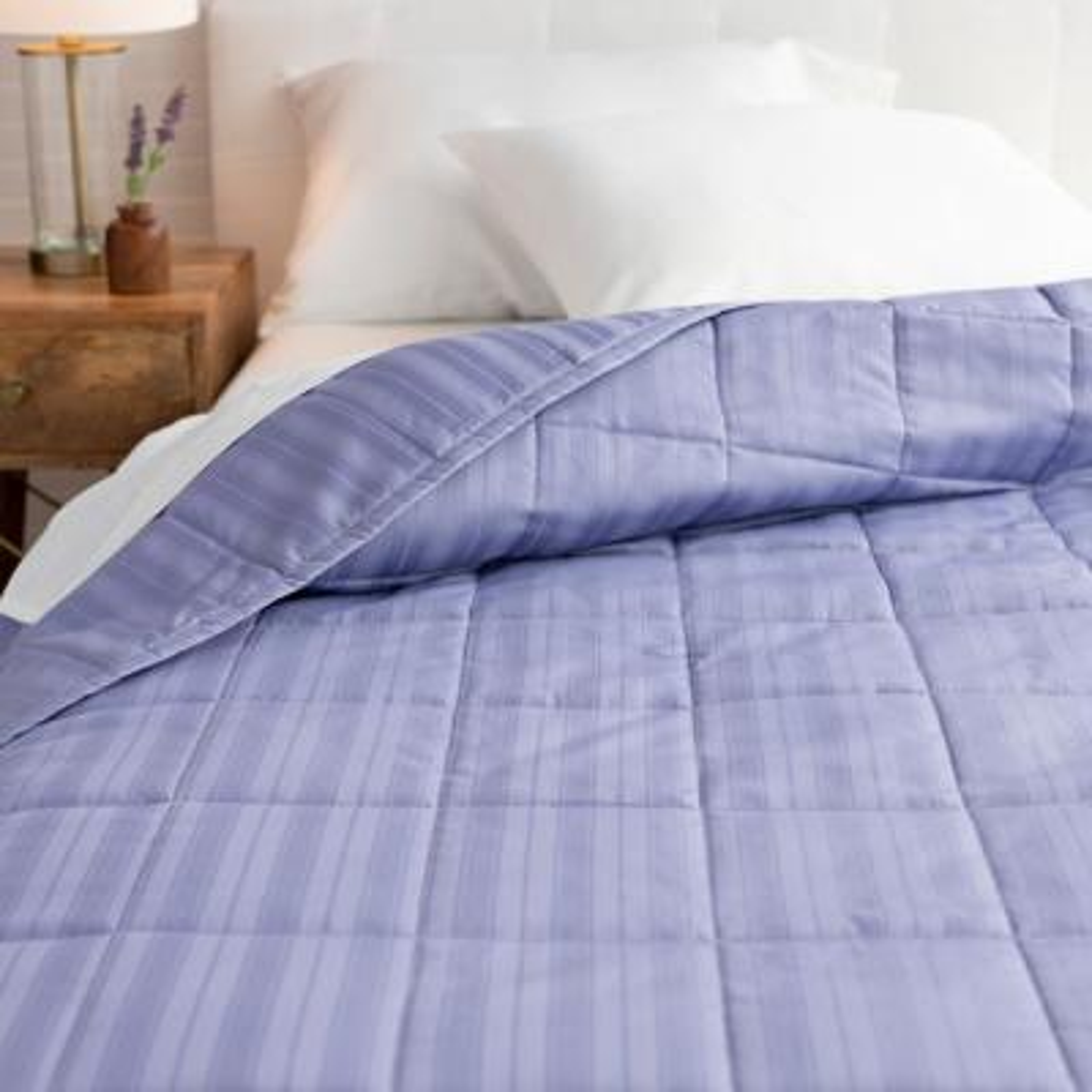 The Alexander Cotton Dusk Blue King Quilt