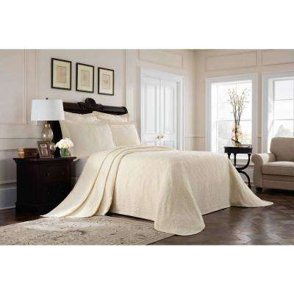 Williamsburg Richmond Ivory King Bedspread