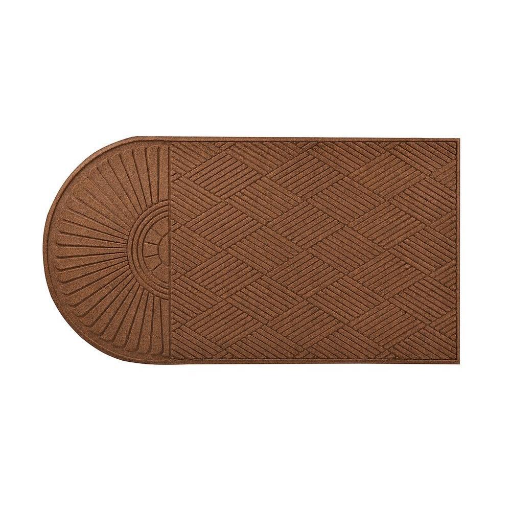 HomeTrax Designs Guzzler Sunburst Brown 34 in. x 72 in. Rubber-Backed Door Mat