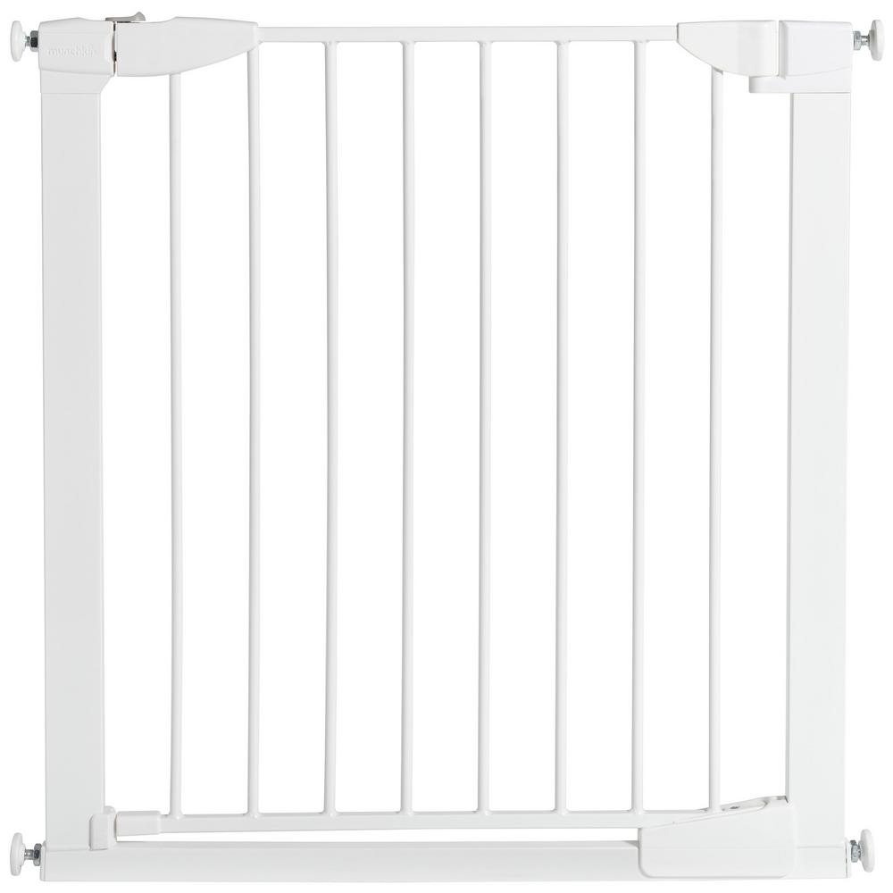 Munchkin 29.5 in. Auto Close Metal Baby Gate, White