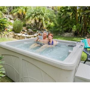 Click here to buy Lifesmart Bahama DLX (LS350DX) 28-Jet, 5-Person Spa by Lifesmart.