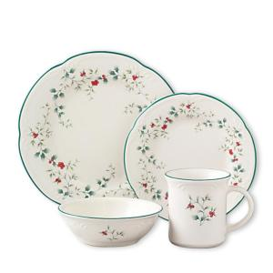Deals on 16-Pcs Pfaltzgraff Winterberry Assorted Dinnerware Set