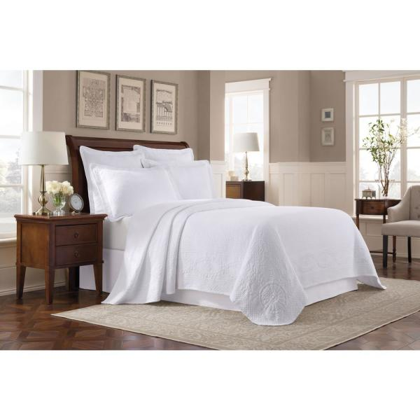 Royal Heritage Home Williamsburg Abby White Queen Coverlet 048975016268