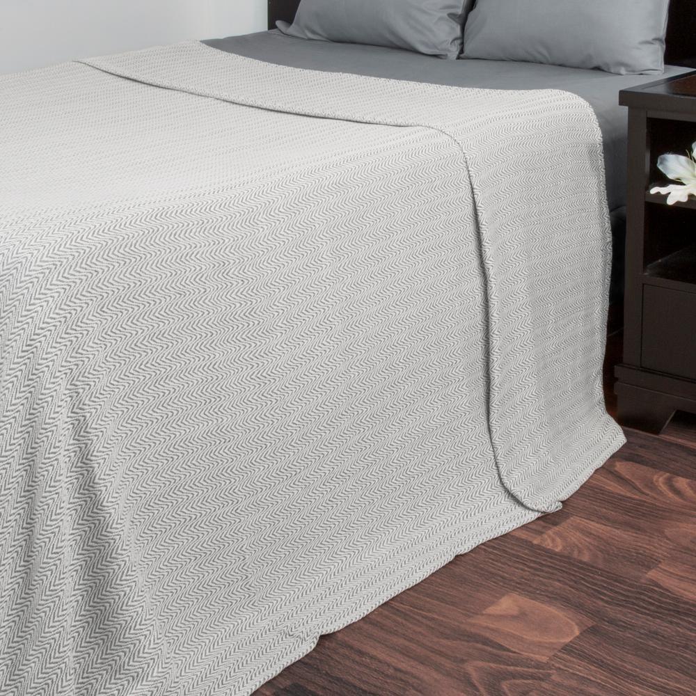Trademark Global Chevron Charcoal 100% Egyptian Cotton Twin Blanket