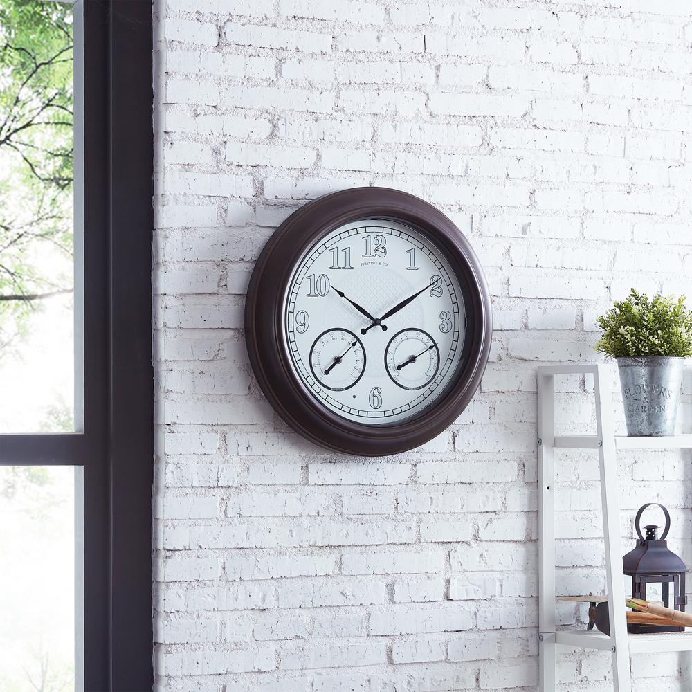 Luminous LED Outdoor Clock