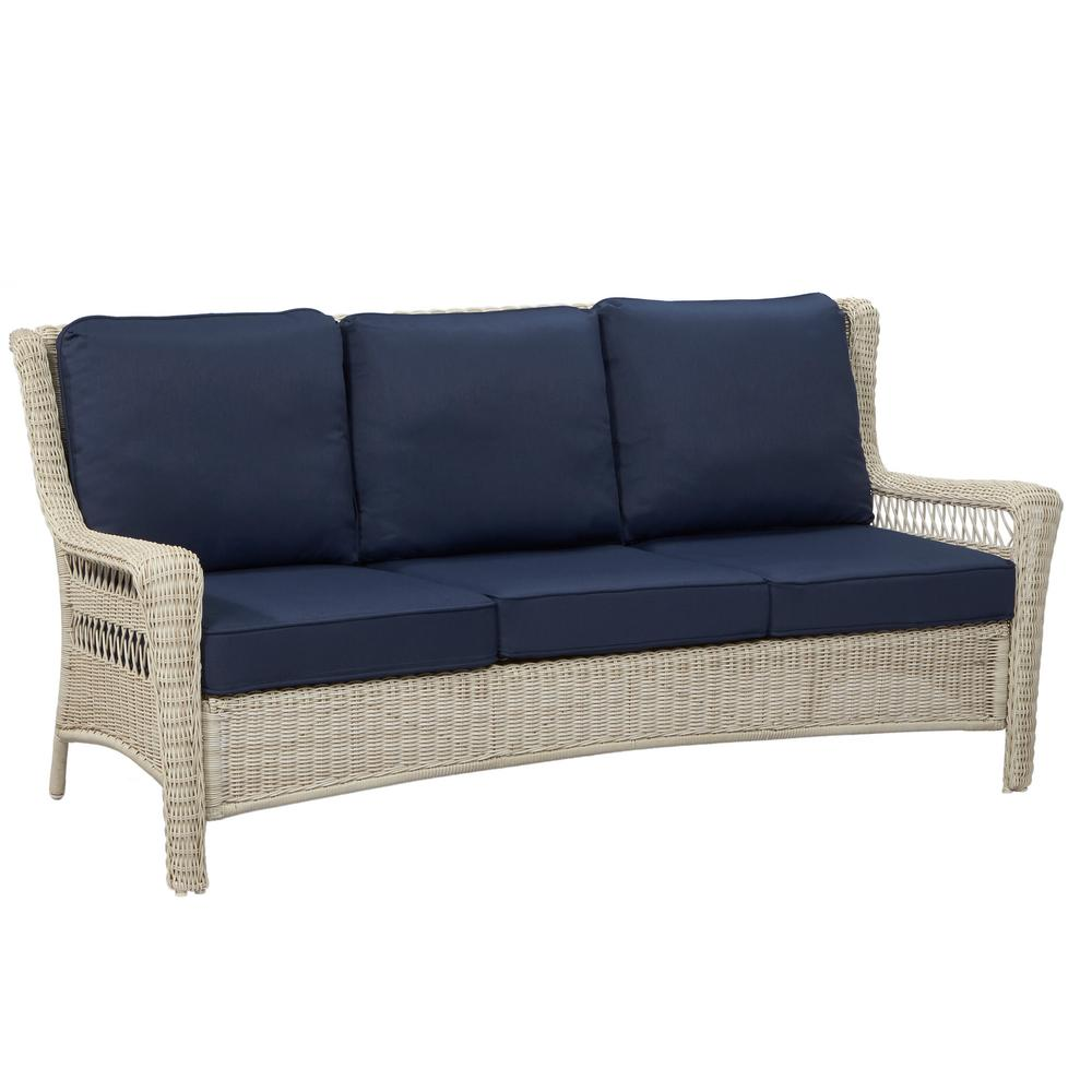 Hampton Bay Park Meadows Off White Wicker Outdoor Sofa With Midnight Cushion