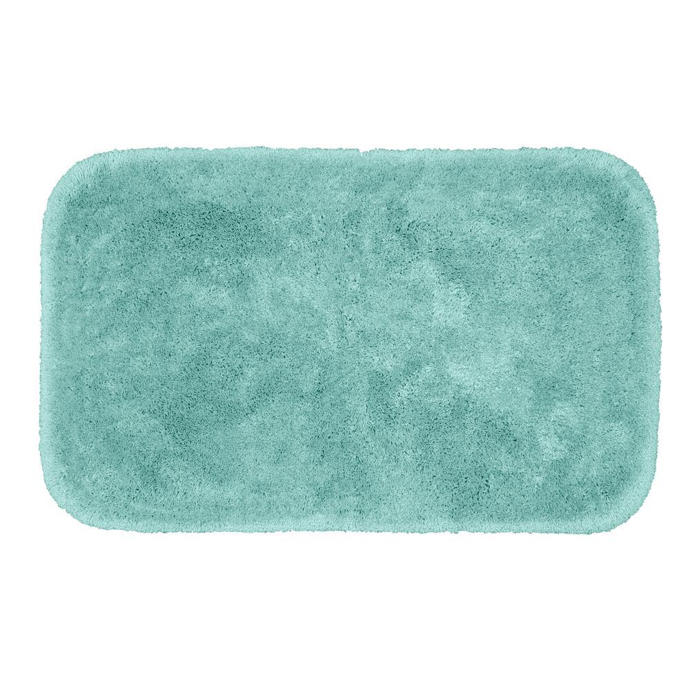 Finest Luxury Sea Foam 24 in. x 40 in. Plush Nylon Bath Mat
