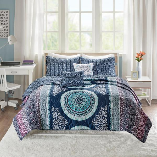 Intelligent Design Eleni 4-Piece Navy Twin/Twin XL Boho Coverlet Set ID13-1378