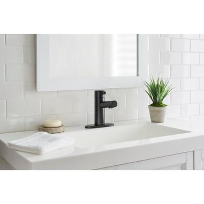 Modern Single Hole Touchless Bathroom Faucet in Matte Black