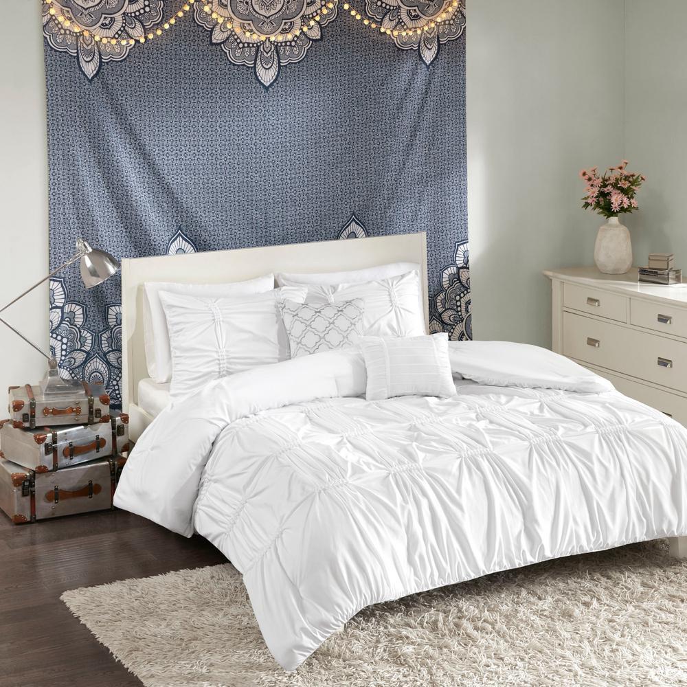 Intelligent Design Quinn 5-Piece White Full/Queen Solid Comforter Set ID10-1344