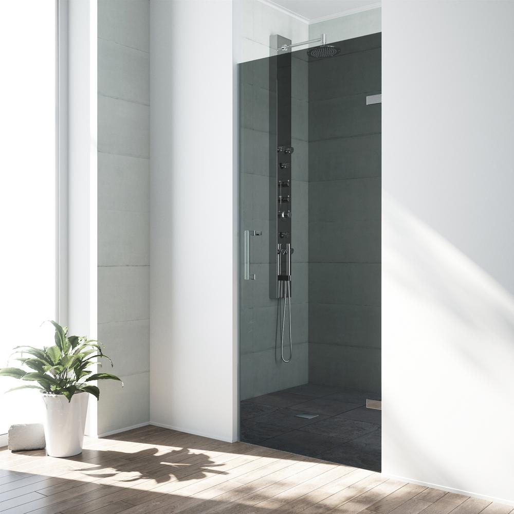 Etonnant Frameless Pivot Shower Door In Chrome Hardware