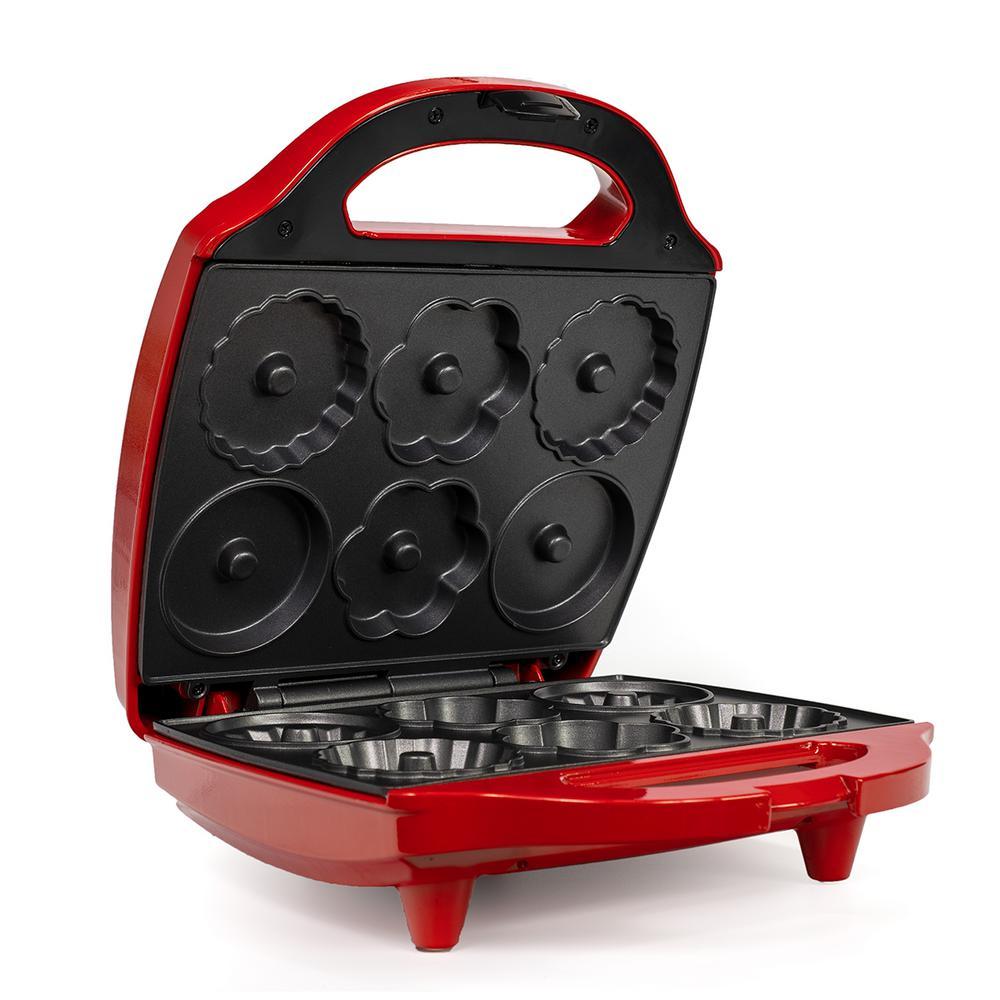 980-Watt Red Mini Bundt Cake Maker