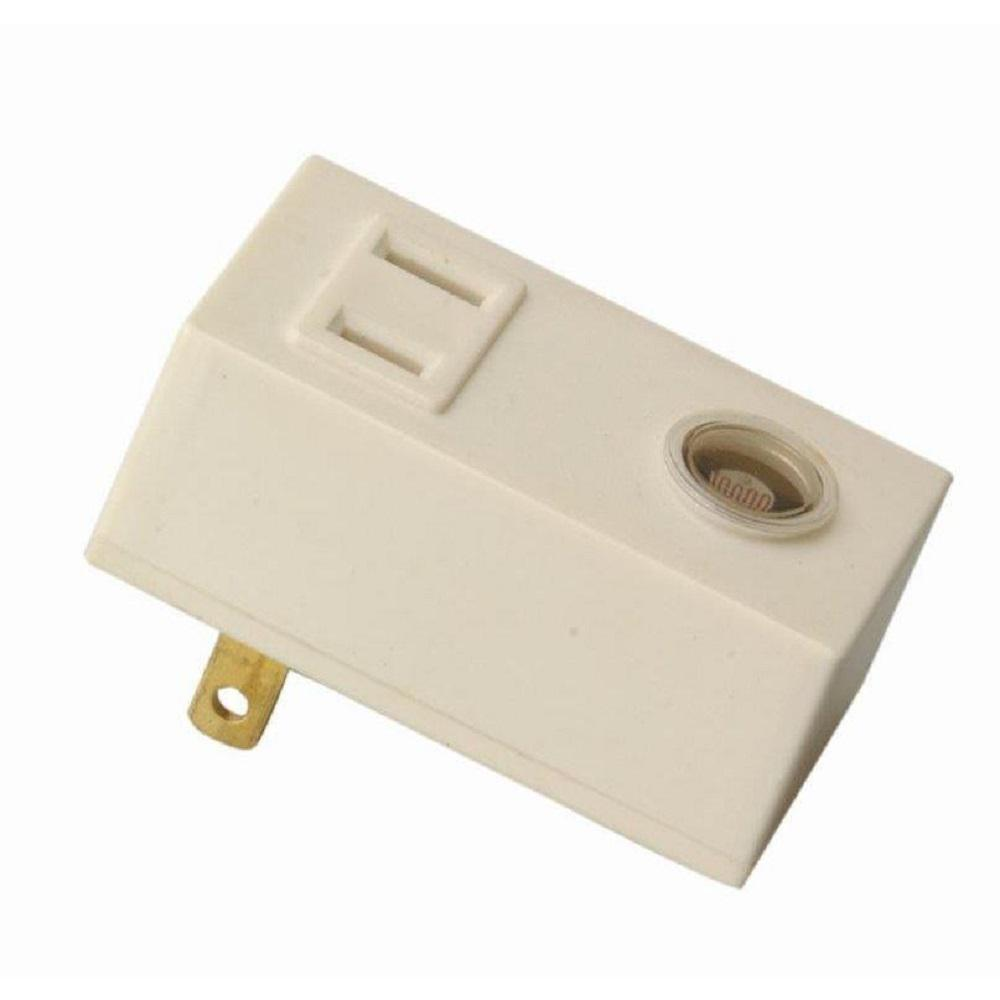 Plug-In Woods 59407WD Light Control With Photocell Sensor Indoor Quantity 1
