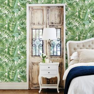 56 4 Sq Ft Alfresco Green Palm Leaf Wallpaper