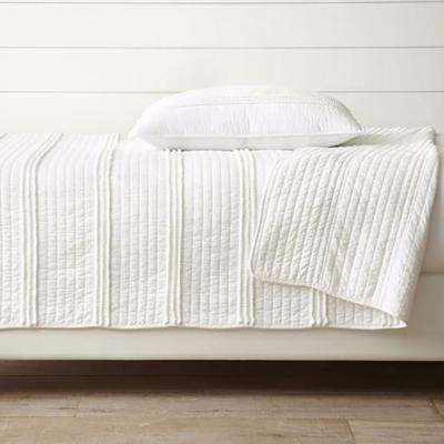 Mini Pom Rows White Full and Queen Quilt Set