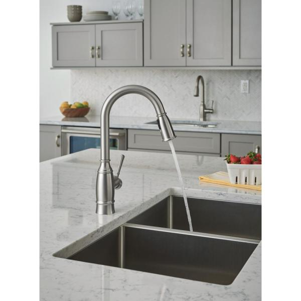 Moen Noell 1 Handle Pull Down Sprayer Kitchen Faucet With Reflex Soap Dispenser And Power Clean In Spot Resist Stainless 87791srs The Home Depot