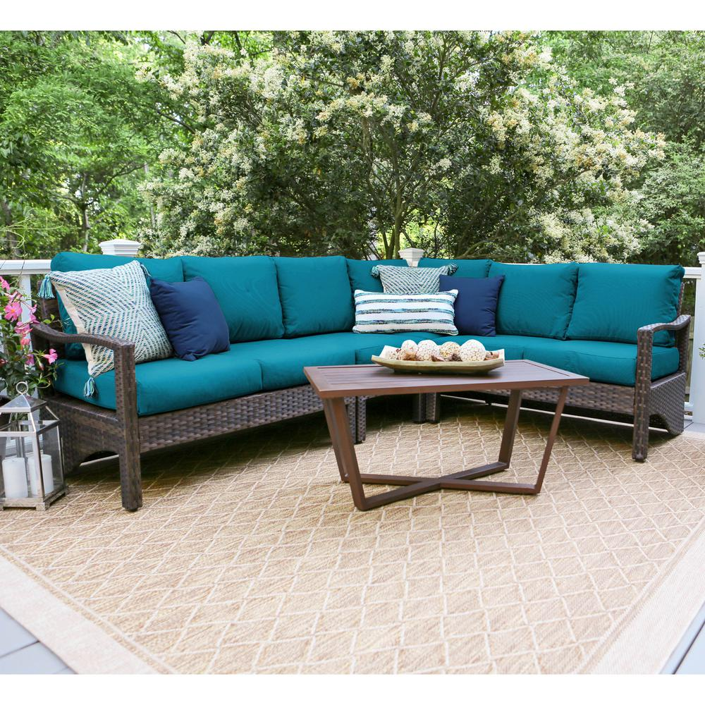 Augusta 5-Piece Wicker Outdoor Sectional Set with Peacock Cushions