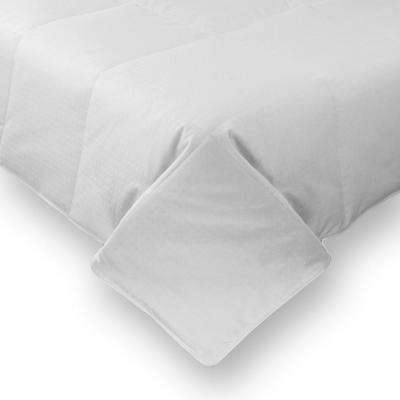 White Full and Queen Lightweight Goose Down Comforter