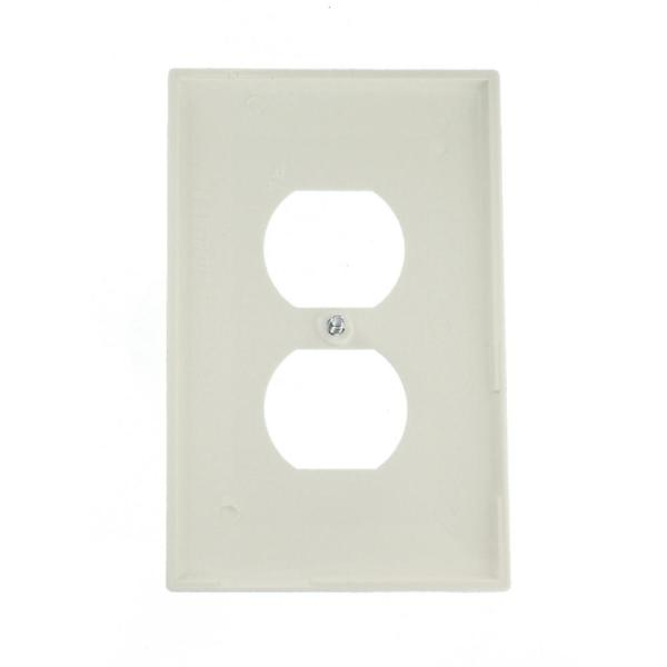 Leviton 1 Gang White Midway Duplex Outlet Nylon Wall Plate 10 Pack M52 00pj8 0wm The Home Depot