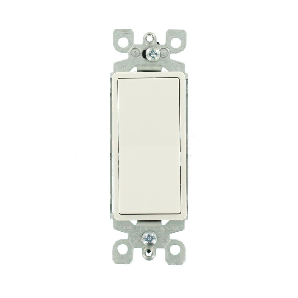 Leviton Decora 15 Amp 3-Way Illuminated Switch, White on