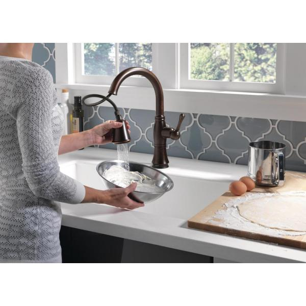 Delta Cassidy Touch Single Handle Pull Down Sprayer Kitchen Faucet In Venetian Bronze 9197t Rb Dst The Home Depot