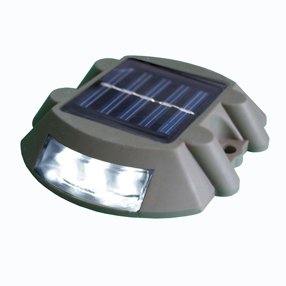 Dock Edge Solar And Deck Light With 6 Led Lights