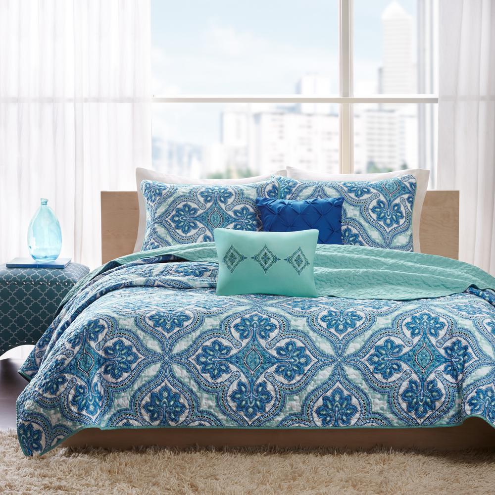 Intelligent Design Lana 4-Piece Blue Twin/Twin XL Reversible Coverlet Set