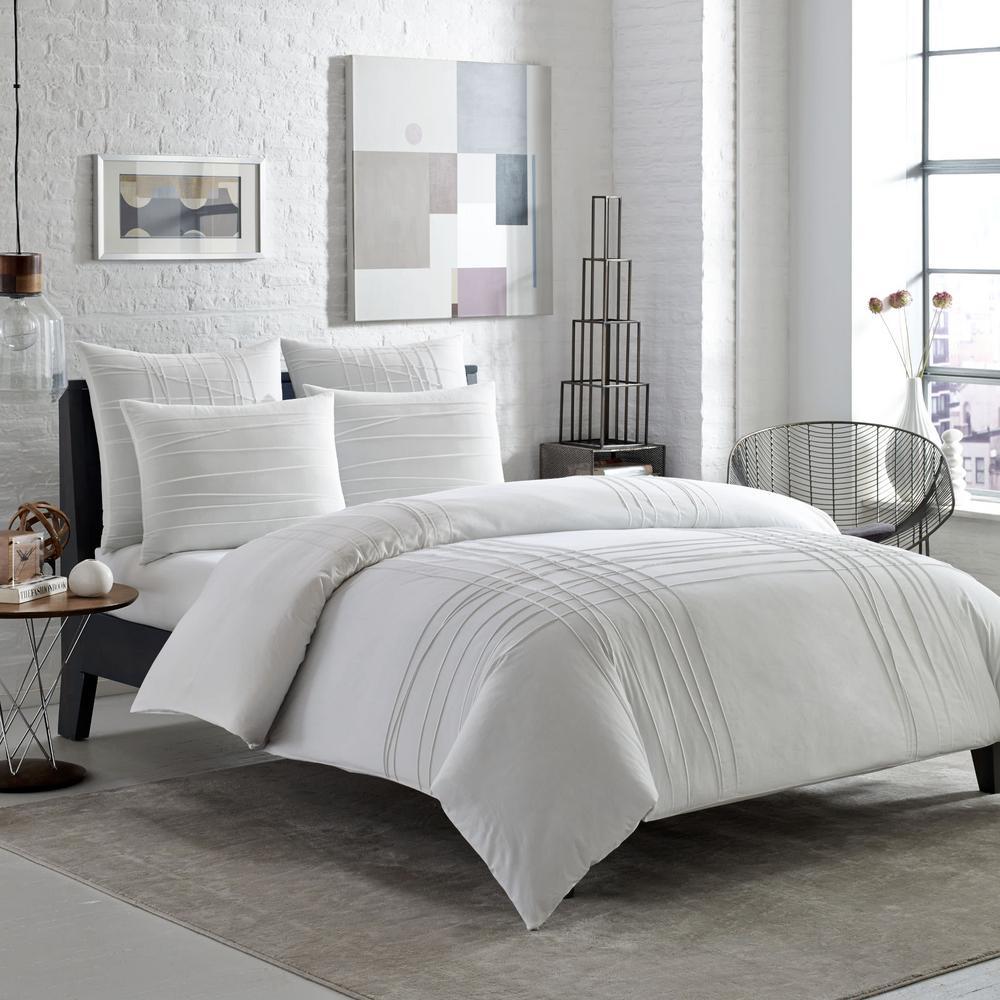 Variegated Pleats 3-Piece White Cotton Full/Queen Comforter/Sham Set