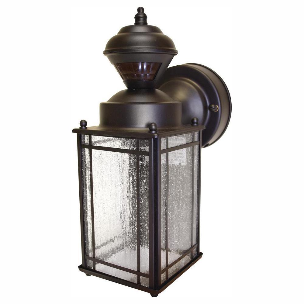 Hampton bay shaker cove mission 150 outdoor oiled rubbed bronze motion sensing lantern