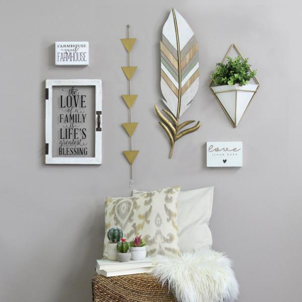Stratton Home Decor Boho Wall Feather S12907 The Home Depot