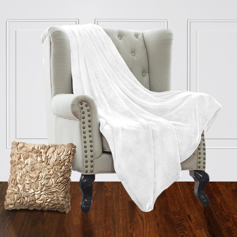 Jill Morgan White Plush Velvet Queen Blanket