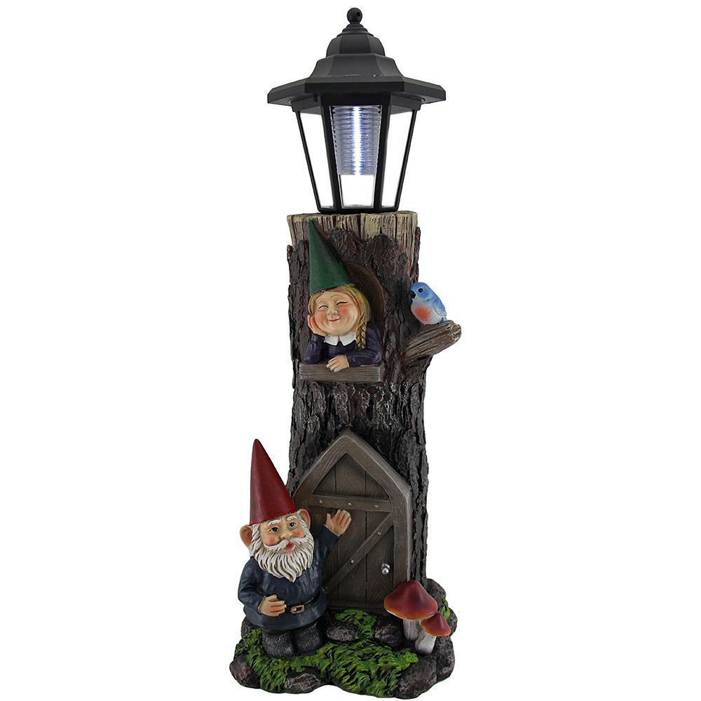 Genial Gnomes At Home Decorative Solar Powered Lantern Garden Statue