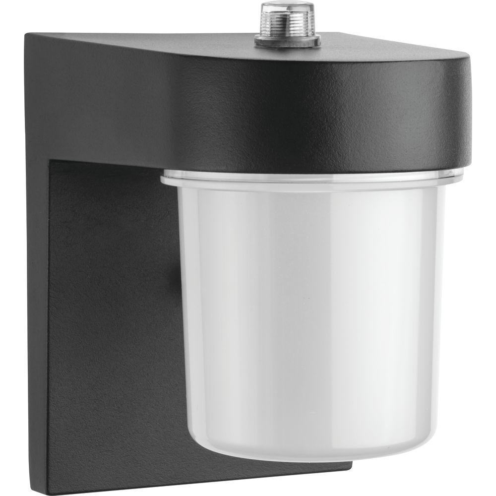 Lithonia Lighting OSC 1-Light Black Outdoor Integrated LED Wall Lantern Sconce with Dusk to Dawn Photocell