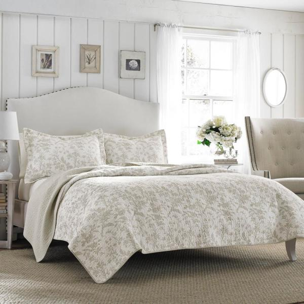 Amberley 2-Piece Biscuit Floral Cotton Twin Quilt Set
