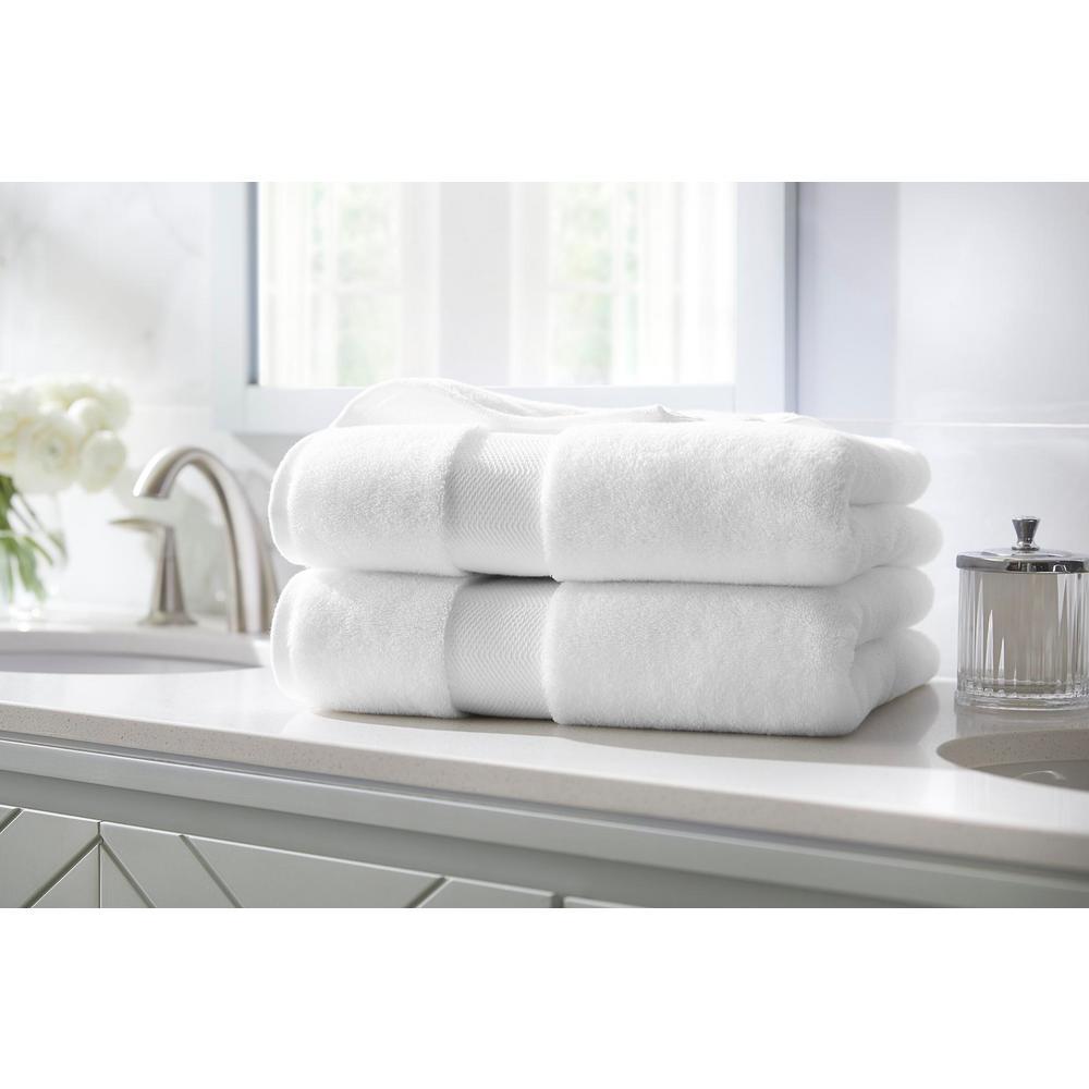 Plush Soft Cotton Bath Towel in White (Set of 2)