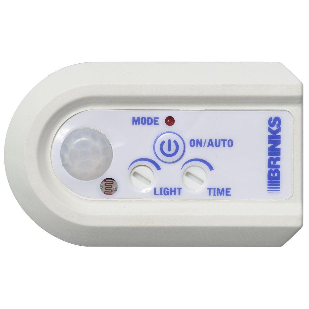 Brinks Home Security Indoor Digital Timer with Plug-In Motion Sensor