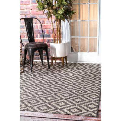 Marybelle Tribal Diamond Gray 8 ft. x 8 ft. Indoor/Outdoor Square Rug