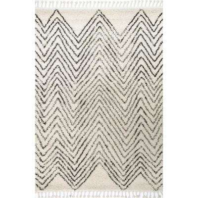 Amanda Moroccan Chevron Tassel Off White 5 ft. 3 in. x 7 ft. 7 in. Area Rug