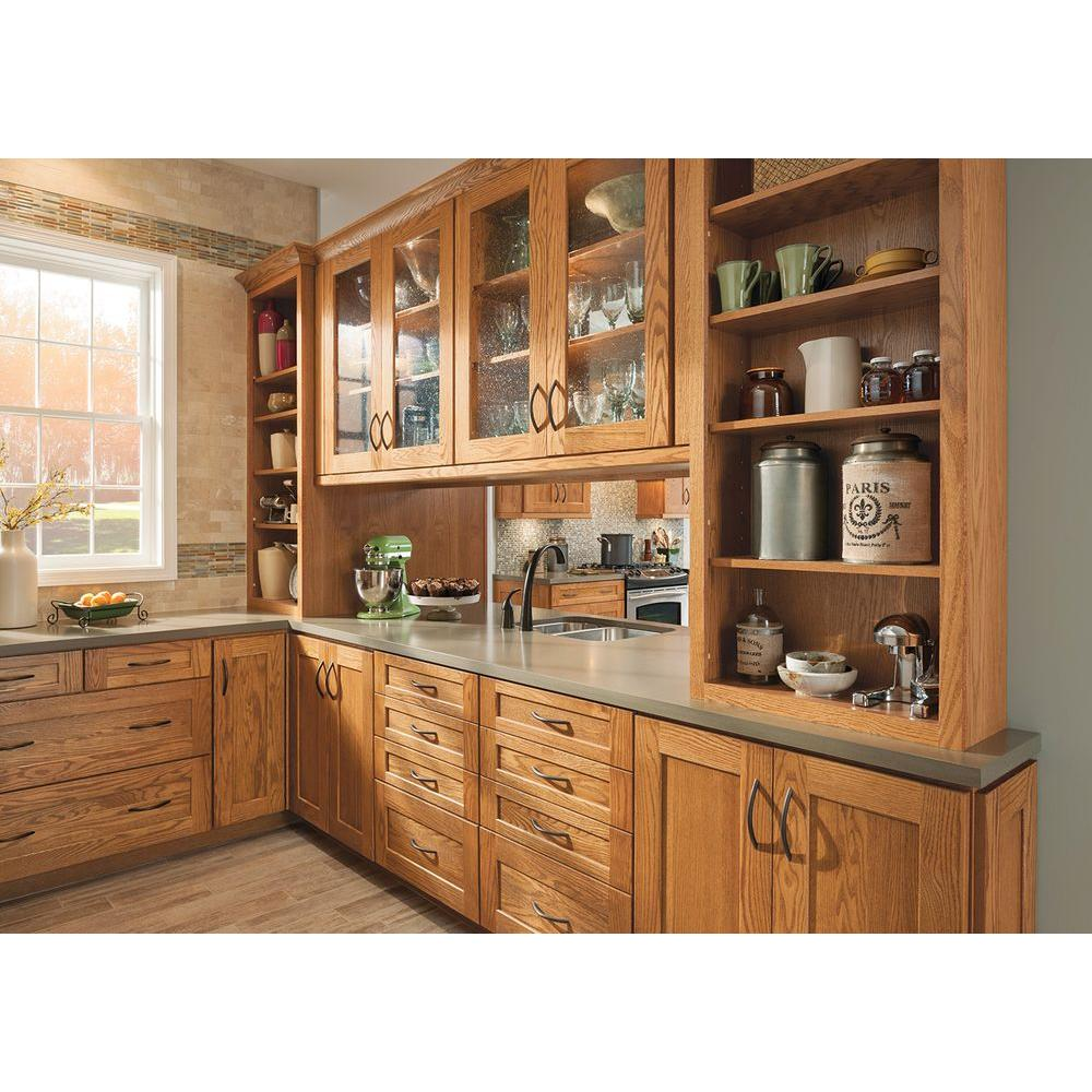 American Woodmark 14-9/16x14-1/2 in. Reading Oak Cabinet Door Sample in  Honey