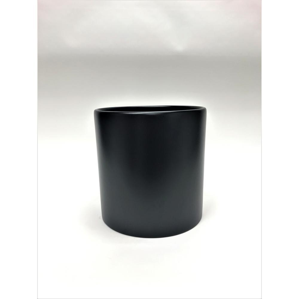 Silas 16 in. Black Fiberglass Pot