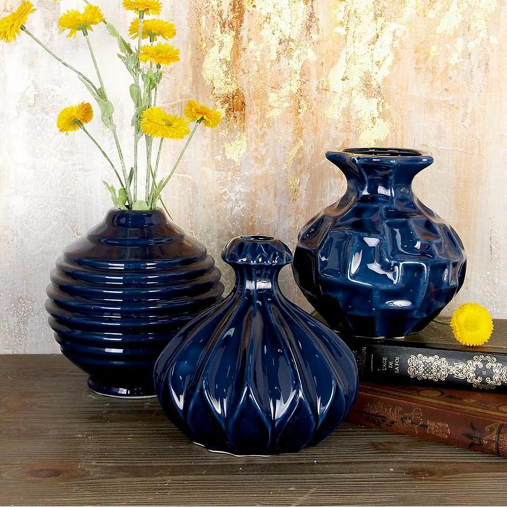LittonLane Litton Lane 7 in. Modern Midnight Blue Ceramic Decorative Vases (Set of 3), Dark Blue