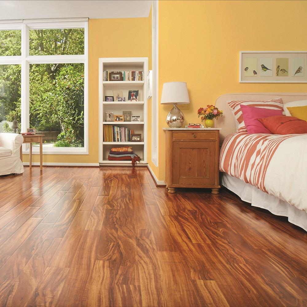 Pergo Take Home Sample Hawaiian King Koa Laminate Flooring 5 In X 7