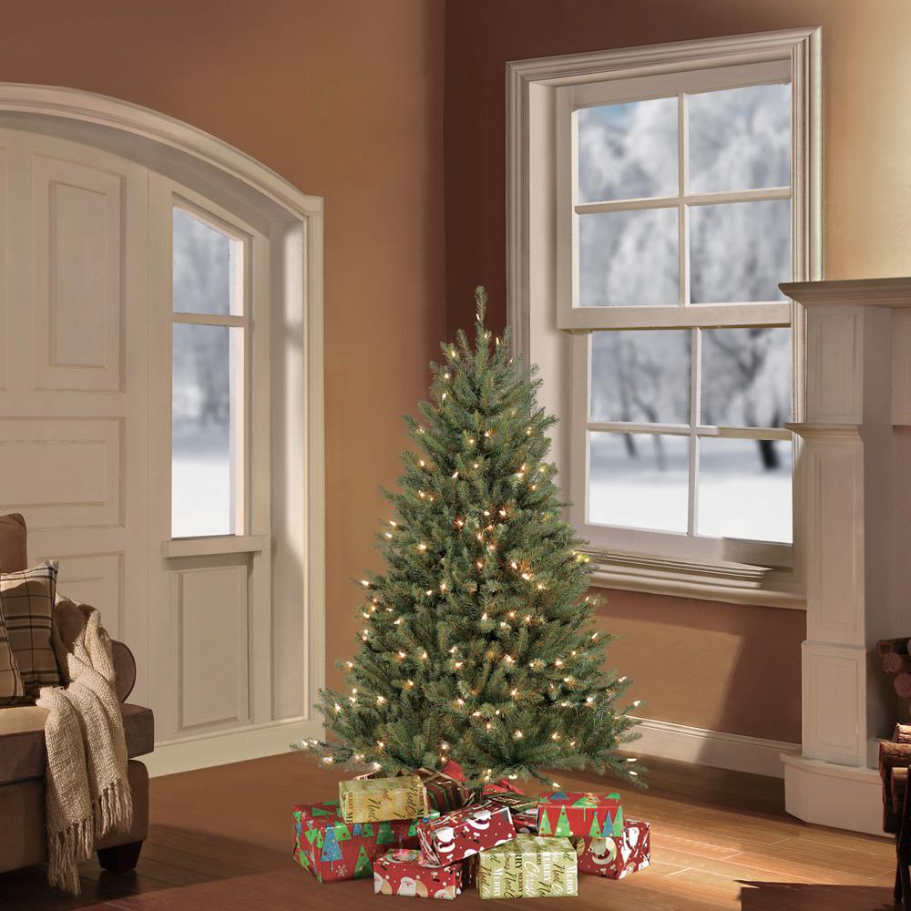 Puleo International 4.5 ft.Pre-Lit Fraser Fir Artificial Christmas Tree with 250 Clear Lights