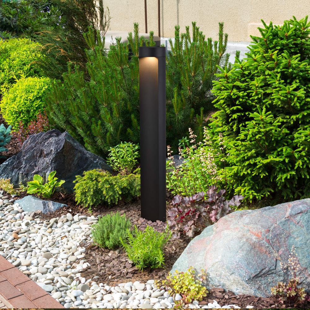 Vonn Lighting 5 Watt Black Outdoor Integrated Led Landscape Path Bollard Light