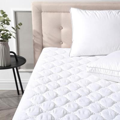 Deluxe Queen-Size Quilted Cotton Waterproof Mattress Pad and Protector