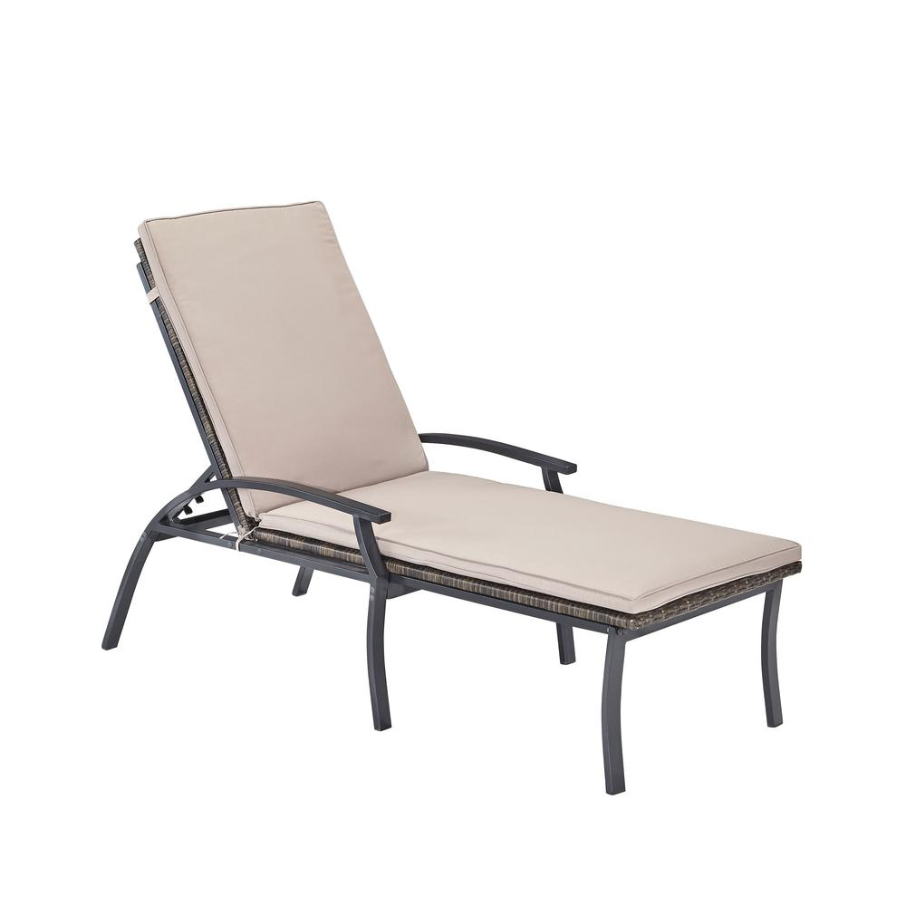 home styles laguna black woven vinyl and metal patio chaise lounge chair 5600 83 the home depot. Black Bedroom Furniture Sets. Home Design Ideas