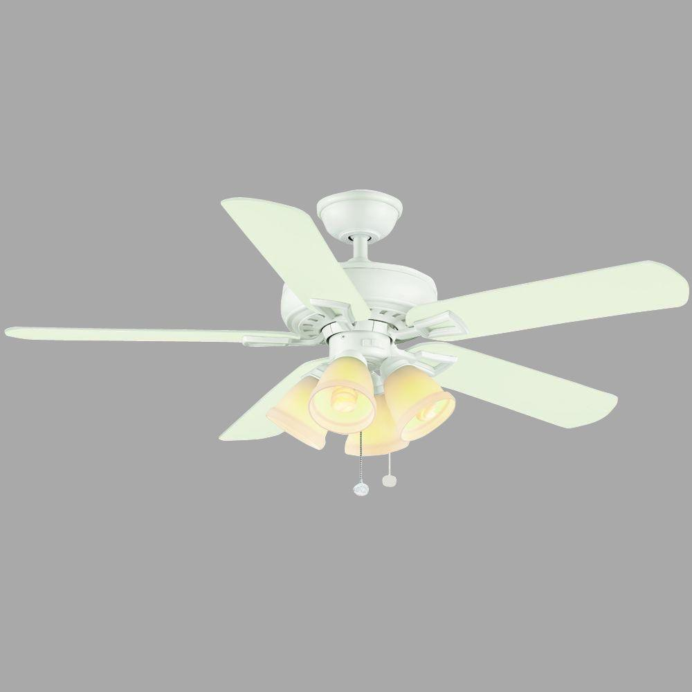 Hampton Bay Lyndhurst 52 in. Indoor White Ceiling Fan with Light Kit