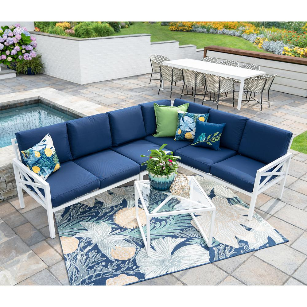 Leisure Made Blakely White 5 Piece Aluminum Outdoor Sectional Set With Navy  Cushions
