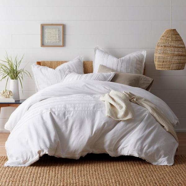 The Company Store Beachcomber Cotton Queen Duvet Cover in White 50375D-Q-WHITE