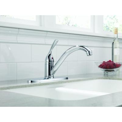 Classic Single-Handle Standard Kitchen Faucet in Chrome